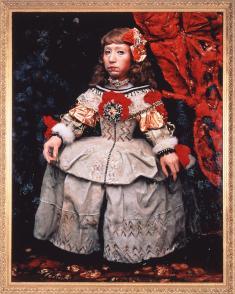 森村泰昌《美術史の娘、王女A》1990 カラー写真に透明メディウム
